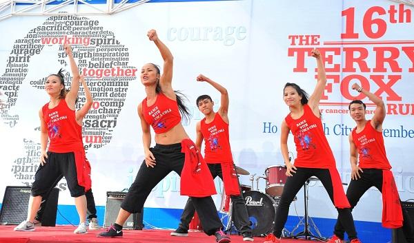 "Vui nhảy Zumba với ""Dance with Coca-Cola"" 2"