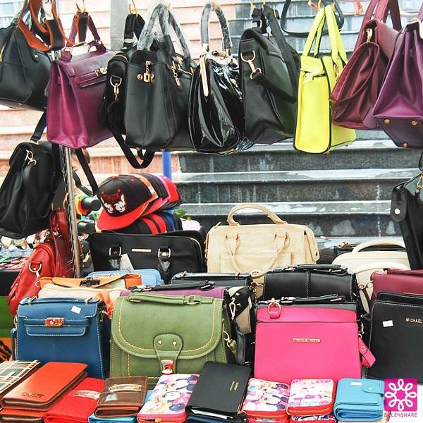 Nhộn nhịp mua sắm cuối tuần cùng Quang Đăng tại Sale 4Share 8