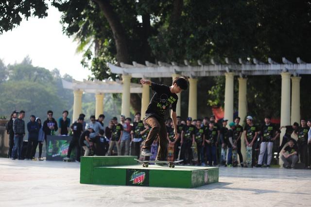 """Linh Bé: """"Muốn chơi skateboard, phải biết kiên trì và không ngại thử thách"""" 5"""