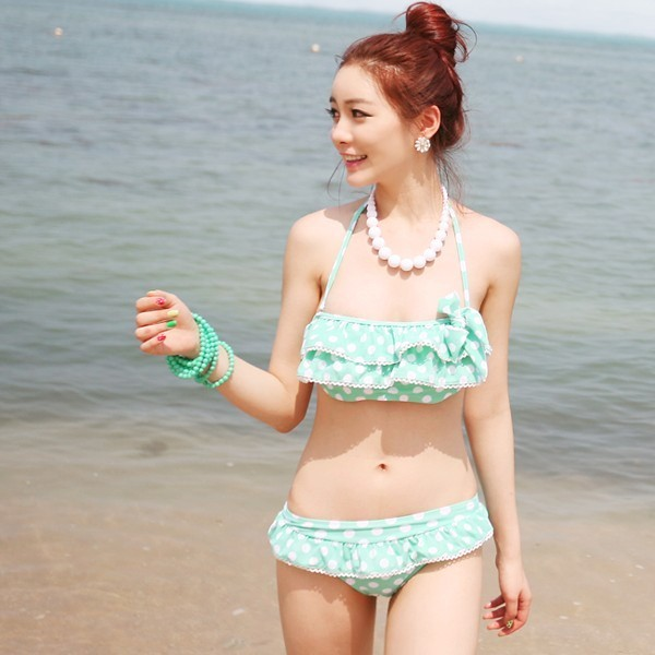 Mách con gái cách chăm sóc làn da mịn màng thỏa sức diện bikini - Ảnh 1.