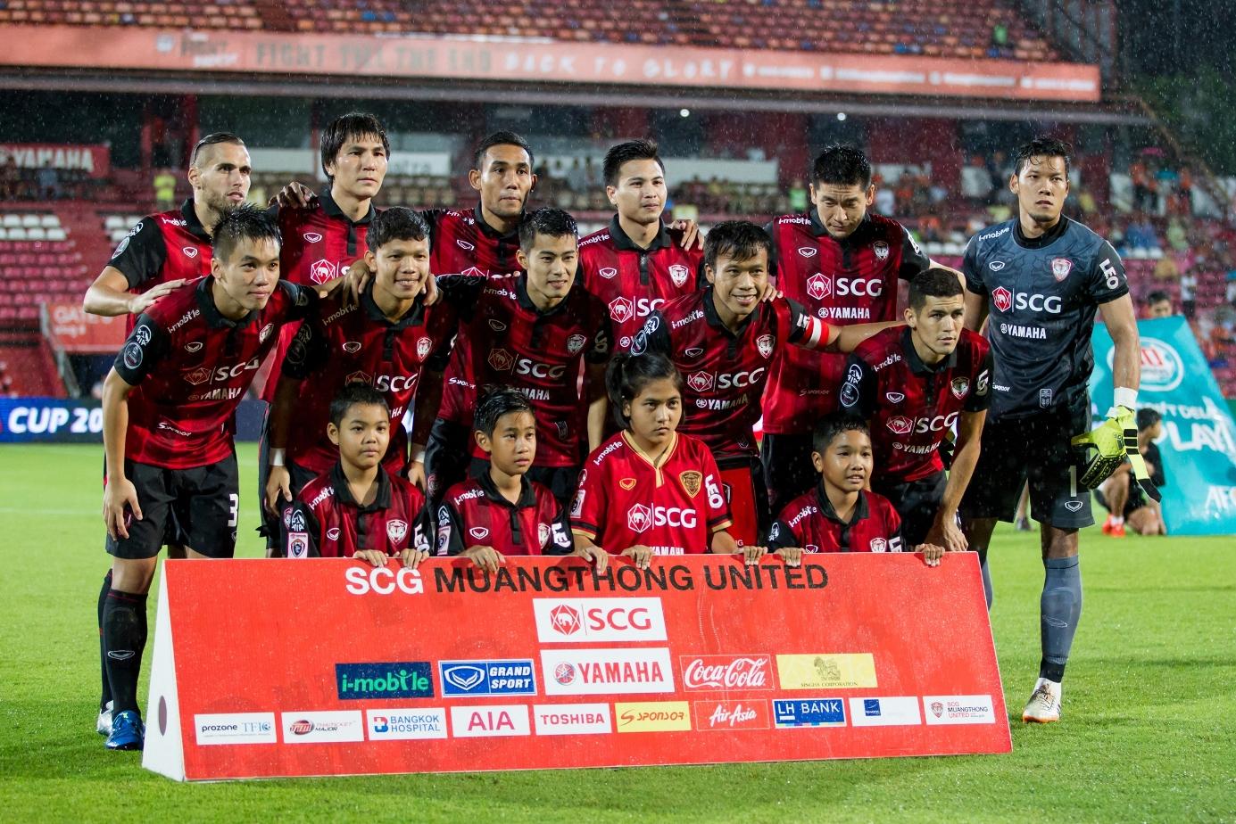 Sốt vé đại tiệc bóng đá giao hữu Việt - Thái - Ảnh 2.