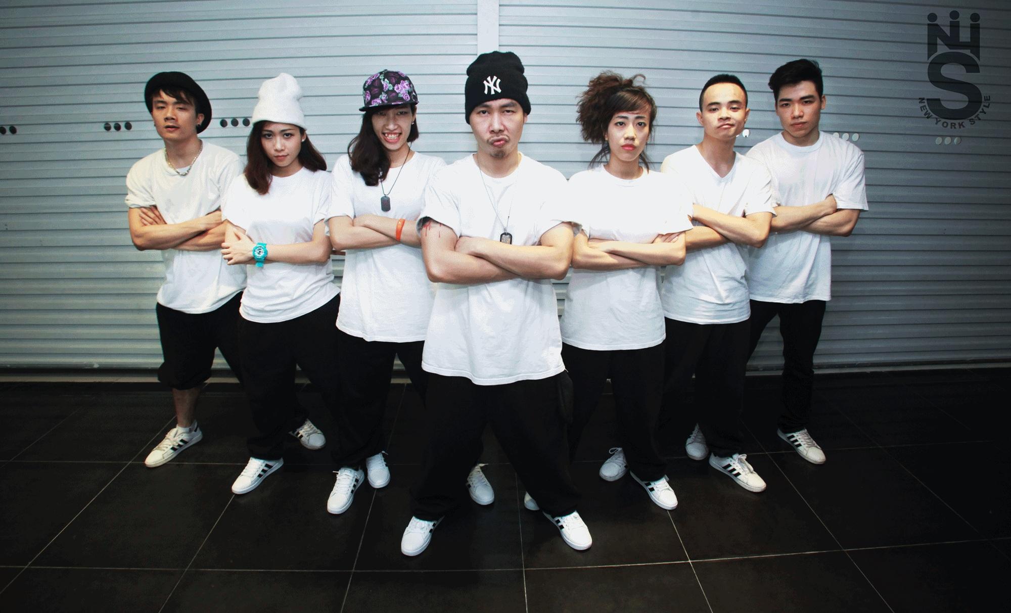 Giới Trẻ Hà Thành Đem Hip Hop Kết Hợp Múa Sạp Khuấy Động Năm Mới -