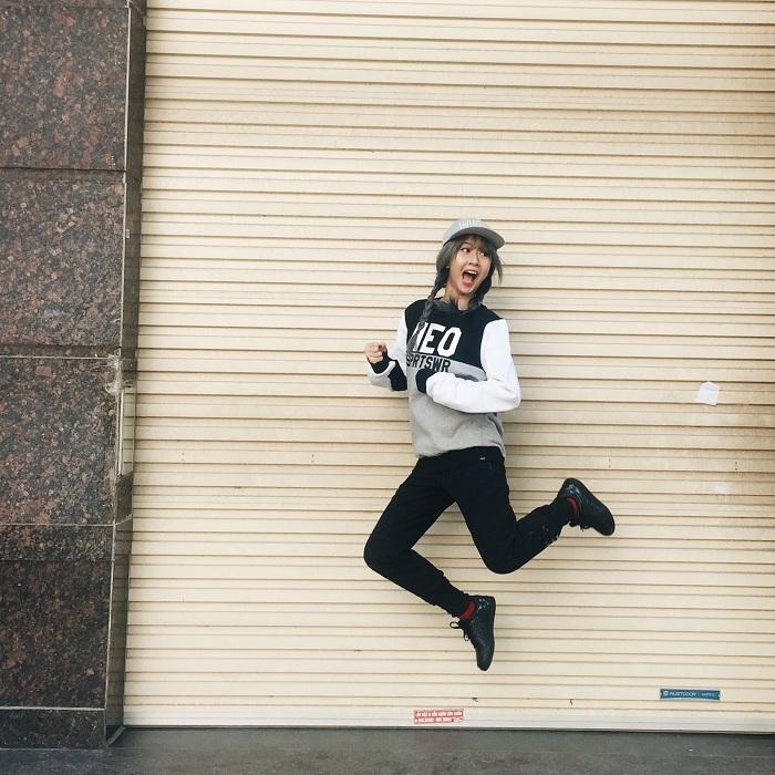 Hot teen đồng loạt diện phong cách thời trang thể thao dạo phố - Ảnh 1.