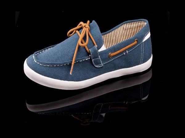 Những mẫu giày kinh điển mà giới trẻ Việt có chết cũng không bỏ - Ảnh 16.