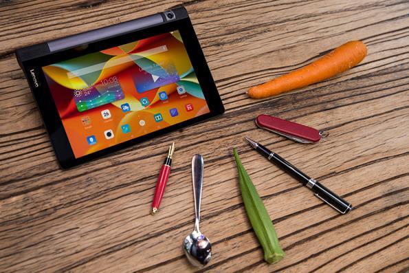 """Tablet """"cực độc"""" cho dùng cả cà rốt, đậu bắp... để viết, vẽ lên màn hình - Ảnh 1."""