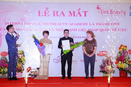Học nghề làm đẹp tại Việt Nam được cấp bằng quốc tế ITEC có giá trị toàn cầu - Ảnh 1.