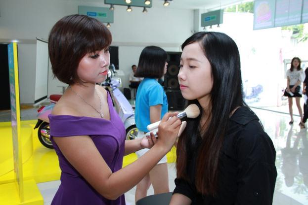 """Fashionista Việt """"bung"""" hết chất ngẫu hứng tại buổi giao lưu với stylist Pông Chuẩn - Ảnh 6."""