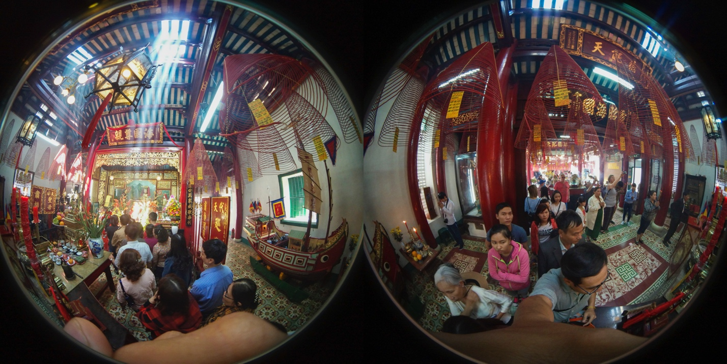 Lễ chùa đầu năm theo cách siêu độc đáo cùng camera 360 - Ảnh 3.