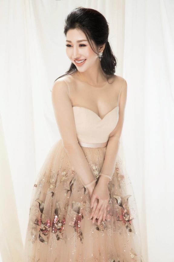 Hoa hậu Đặng Thanh Mai khoe vẻ đẹp đậm chất Á Đông - Ảnh 4.