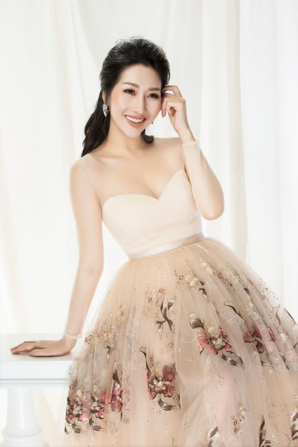 Hoa hậu Đặng Thanh Mai khoe vẻ đẹp đậm chất Á Đông - Ảnh 6.