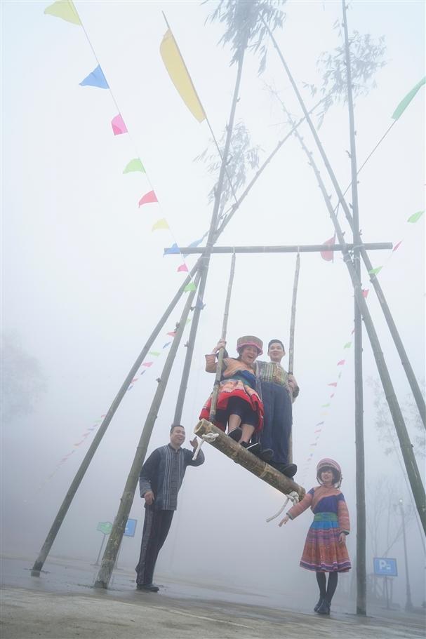 Tháng Tư này, chuẩn bị ngắm sắc đỗ quyên tuyệt đẹp trên đỉnh Fansipan - Ảnh 4.