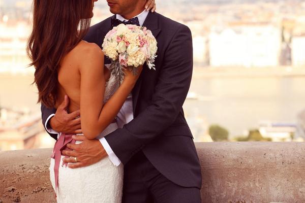Cẩm nang cho chị em khi chọn địa điểm tổ chức tiệc cưới - Ảnh 1.