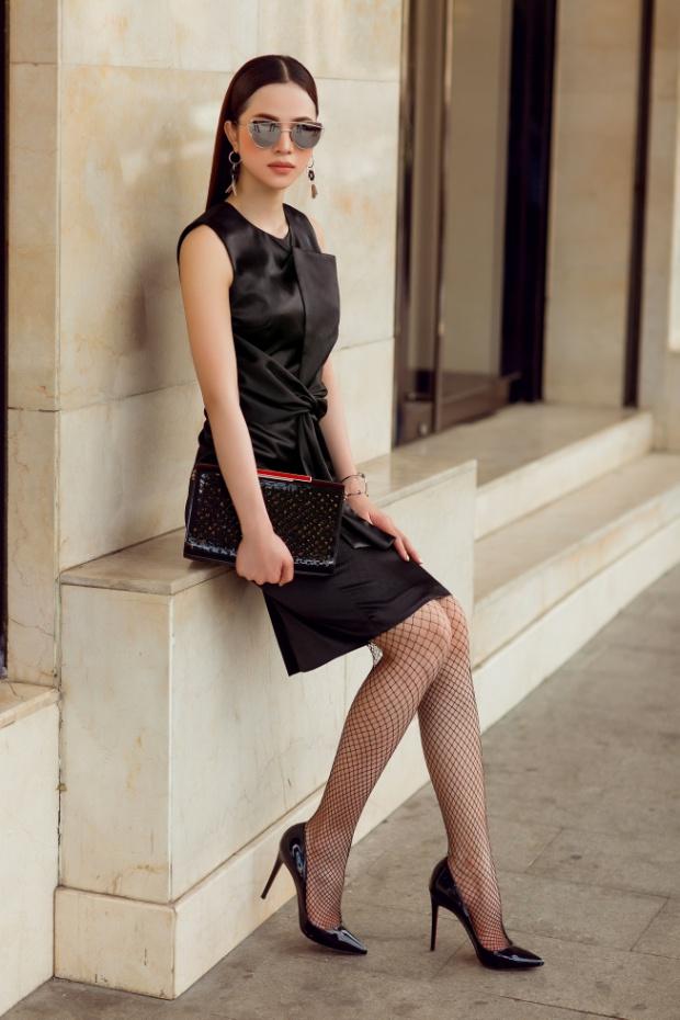 """Hoa khôi Lý Thiên Trúc cực chất với phong cách """"black & white"""" - Ảnh 6."""