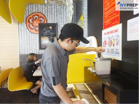 Khám phá chương trình tập sự đầu tiên cho học sinh tại McDonalds - Ảnh 2.