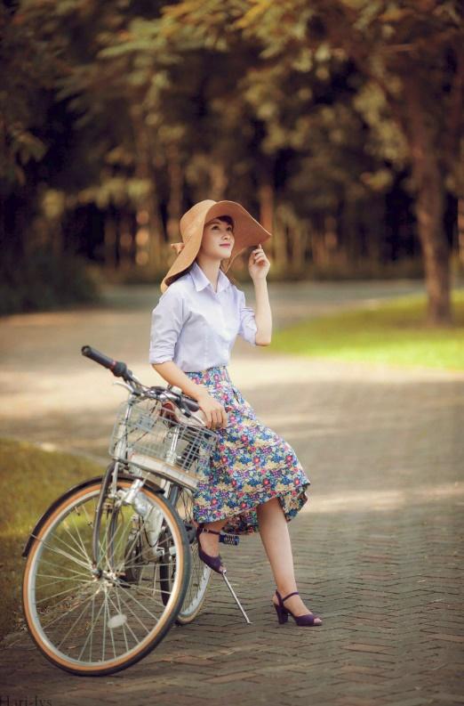 """7 phong cách thời trang ngẫu hứng đang khiến giới trẻ Việt """"phát cuồng"""" - Ảnh 20."""