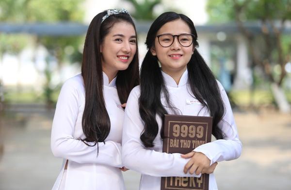 """Minh Linh ra dáng hot girl """"giỏi mà chảnh"""", Tố Ny thích theo đuôi và cũng  lắm chiêu """"chơi xỏ"""" bạn bè (bên trái)."""