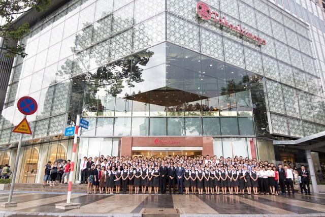 TTTM Takashimaya hút khách cao cấp trong ngày đầu khai trương - Ảnh 1.