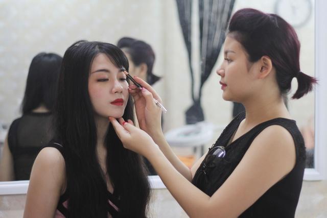 Hương Mi - Cô nàng 9X kiếm tiền tỷ nhờ theo đuổi đam mê