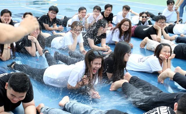 """Bộ ảnh kỷ yếu """"một thời đáng nhớ"""" của học sinh Trường Quốc tế Á Châu - Ảnh 4."""