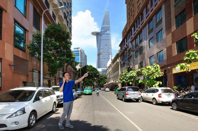 Một ngày dạo phố Sài Gòn cùng Hoài Linh - Ảnh 9.
