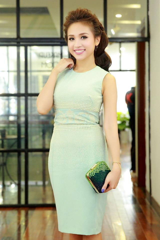 Chi Pu, Thanh Vân Hugo đẹp rạng ngời trong lễ khai trương Quách Ánh Makeup Store - Ảnh 6.