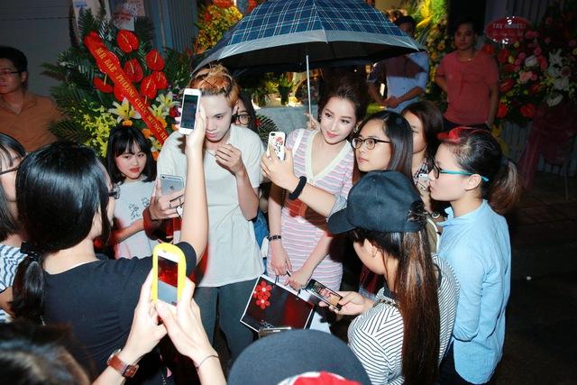 Chi Pu, Thanh Vân Hugo đẹp rạng ngời trong lễ khai trương Quách Ánh Makeup Store - Ảnh 13.