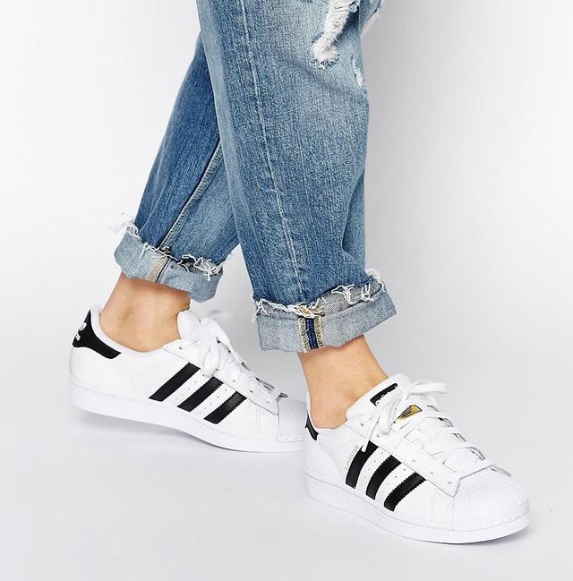 Những mẫu giày kinh điển mà giới trẻ Việt có chết cũng không bỏ - Ảnh 8.