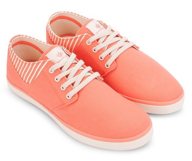 Những mẫu giày kinh điển mà giới trẻ Việt có chết cũng không bỏ - Ảnh 13.