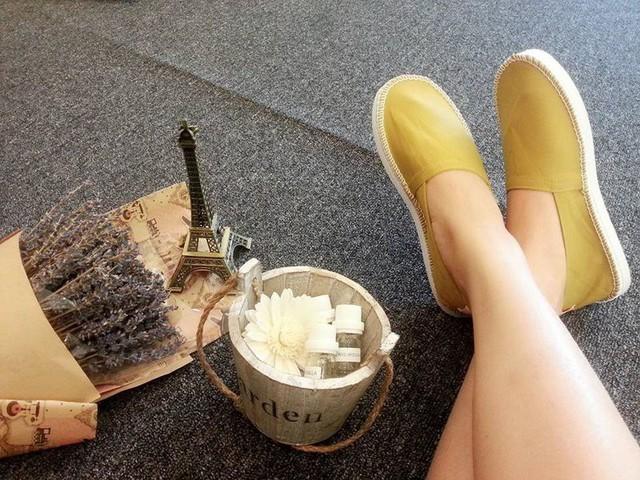 Những mẫu giày kinh điển mà giới trẻ Việt có chết cũng không bỏ - Ảnh 23.