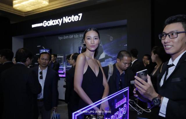Sao Việt hào hứng trải nghiệm điệp viên mang tên Galaxy Note7 - Ảnh 11.