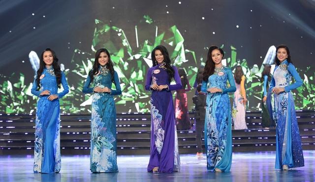 Những chiếc áo dài ấn tượng trong cuộc thi Hoa hậu Việt Nam 2016 - Ảnh 1.