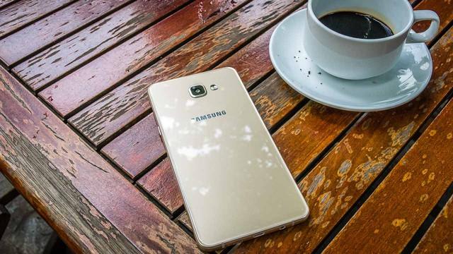 Smartphone Samsung tiếp tục thống trị ở hầu hết các phân khúc giá - Ảnh 3.