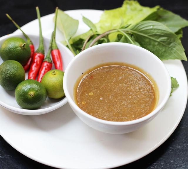Bò nhúng dấm chuẩn vị Đà Nẵng tại Hà Nội - Ảnh 3.
