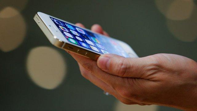 Lý giải vì sao iPhone giá rẻ khiến giới trẻ mê mệt - Ảnh 4.
