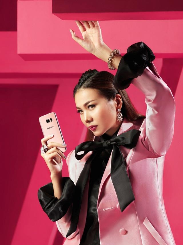 """Hậu trường """"tô hồng mọi giới hạn"""" của Thanh Hằng và Galaxy S7 edge Pink Gold - Ảnh 8."""