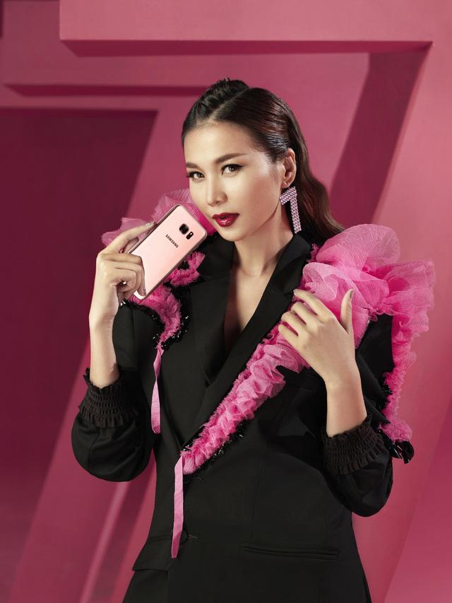 """Hậu trường """"tô hồng mọi giới hạn"""" của Thanh Hằng và Galaxy S7 edge Pink Gold - Ảnh 9."""
