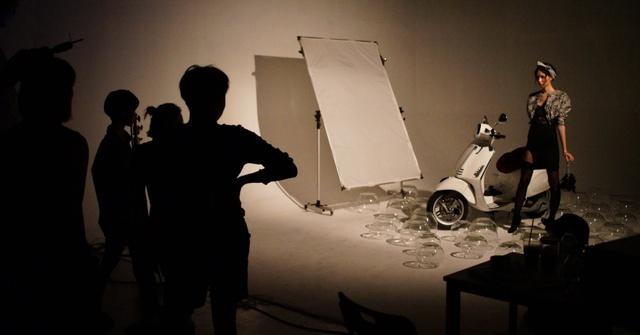 Hậu trường gây tò mò trong buổi chụp bộ ảnh của Stylist Lâm Thúy Nhàn - Ảnh 8.