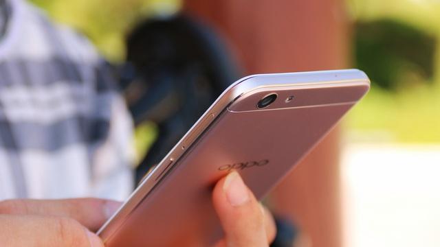 Nghe giới trẻ khen ngợi những mẫu smartphone ngon-bổ-rẻ - Ảnh 3.