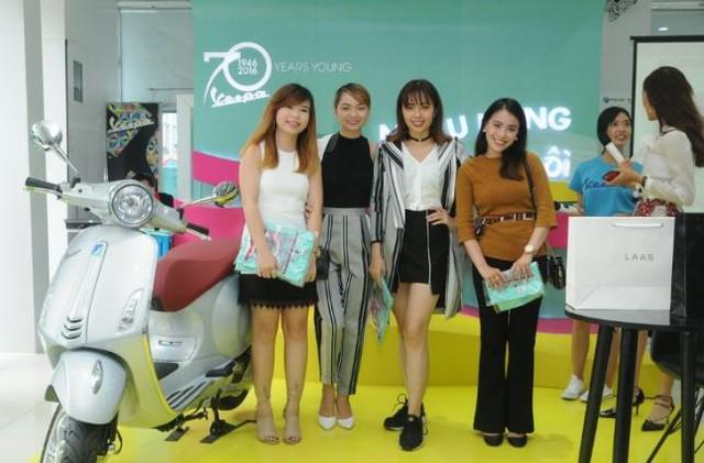 """Fashionista Việt """"bung"""" hết chất ngẫu hứng tại buổi giao lưu với stylist Pông Chuẩn - Ảnh 2."""