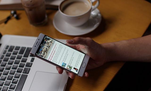 Kiểu dáng quyến rũ, tính năng đa dạng: Smart phone thương hiệu Nhật gây sốt khi vừa ra mắt - Ảnh 4.