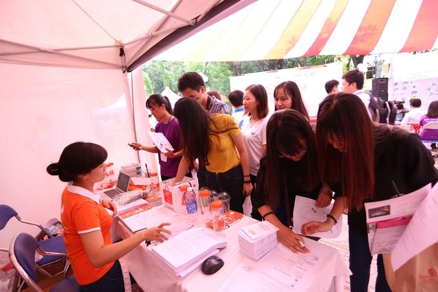 Sinh viên Kinh tế Quốc dân tưng bừng trong ngày hội khởi nghiệp - Ảnh 5.
