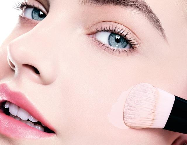 5 bước trang điểm nền siêu mượt mà đơn giản cho các nàng da dầu và da hỗn hợp - Ảnh 3.