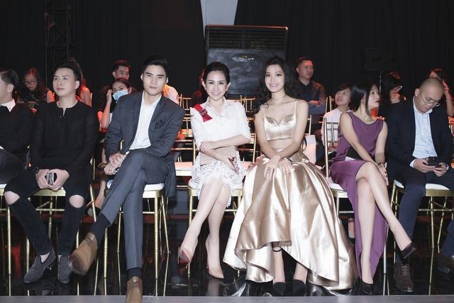 Fashionista Trâm Nguyễn chọn toàn thiết kế Việt vẫn nổi bần bật tại Vietnam Designer Fashion Week - Ảnh 1.