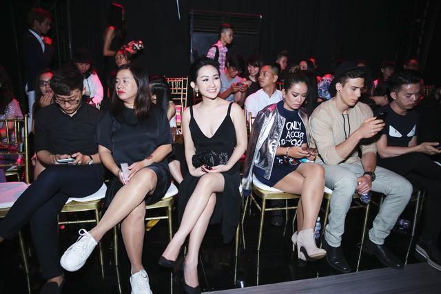 Fashionista Trâm Nguyễn chọn toàn thiết kế Việt vẫn nổi bần bật tại Vietnam Designer Fashion Week - Ảnh 9.