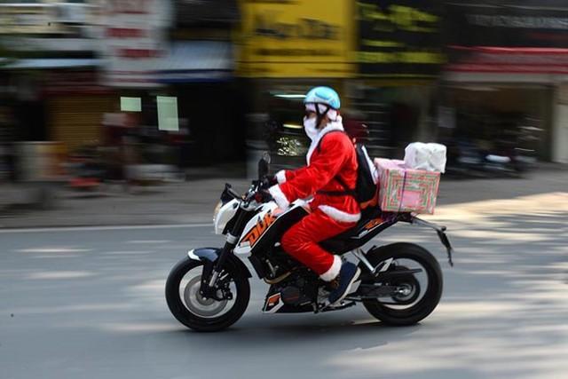 Tặng quà đêm Giáng sinh: Không chỉ đơn giản là một văn hoá - Ảnh 2.