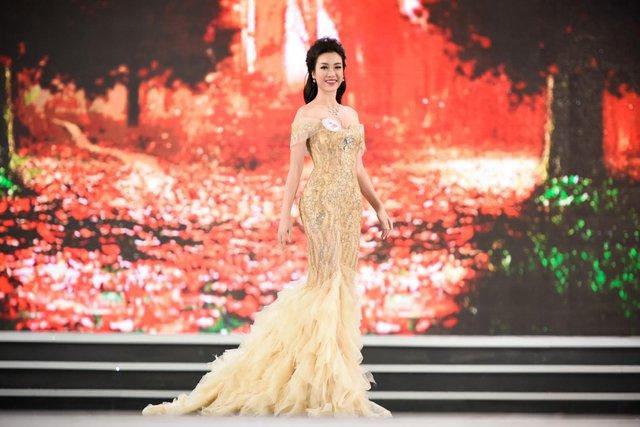 Nhìn lại top váy dạ hội càn quét thảm đỏ trong năm qua - Ảnh 16.