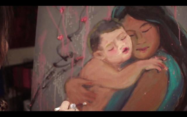 """""""Mẹ vẽ con cho đỡ nhớ"""" - Clip Tết khiến bạn chỉ muốn về với gia đình ngay lập tức - ảnh 1"""