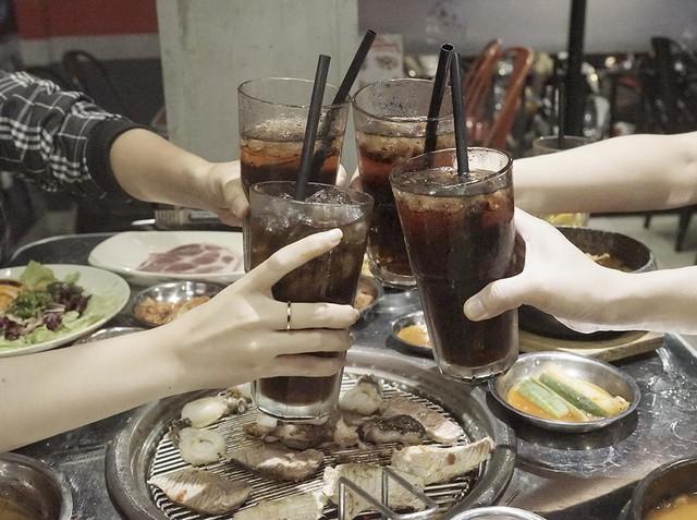 Đón năm mới phá cách với ẩm thực nướng thùng phuy đường phố Hàn Quốc - Ảnh 9.