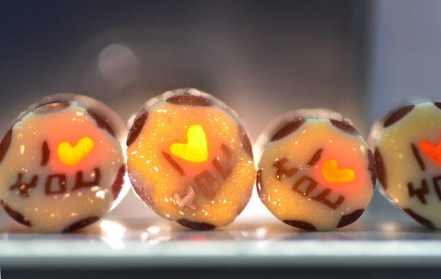 Làm mới lễ tình nhân bằng những thanh kẹo handmade độc đáo - Ảnh 3.