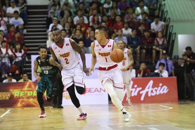 Từ chỗ là đội bóng rổ chuyên nghiệp đầu tiên ở Việt Nam, rồi gia nhập thành  viên hiệp hội bóng rổ chuyên nghiệp Đông Nam Á, Saigon Heat không những  giúp ...